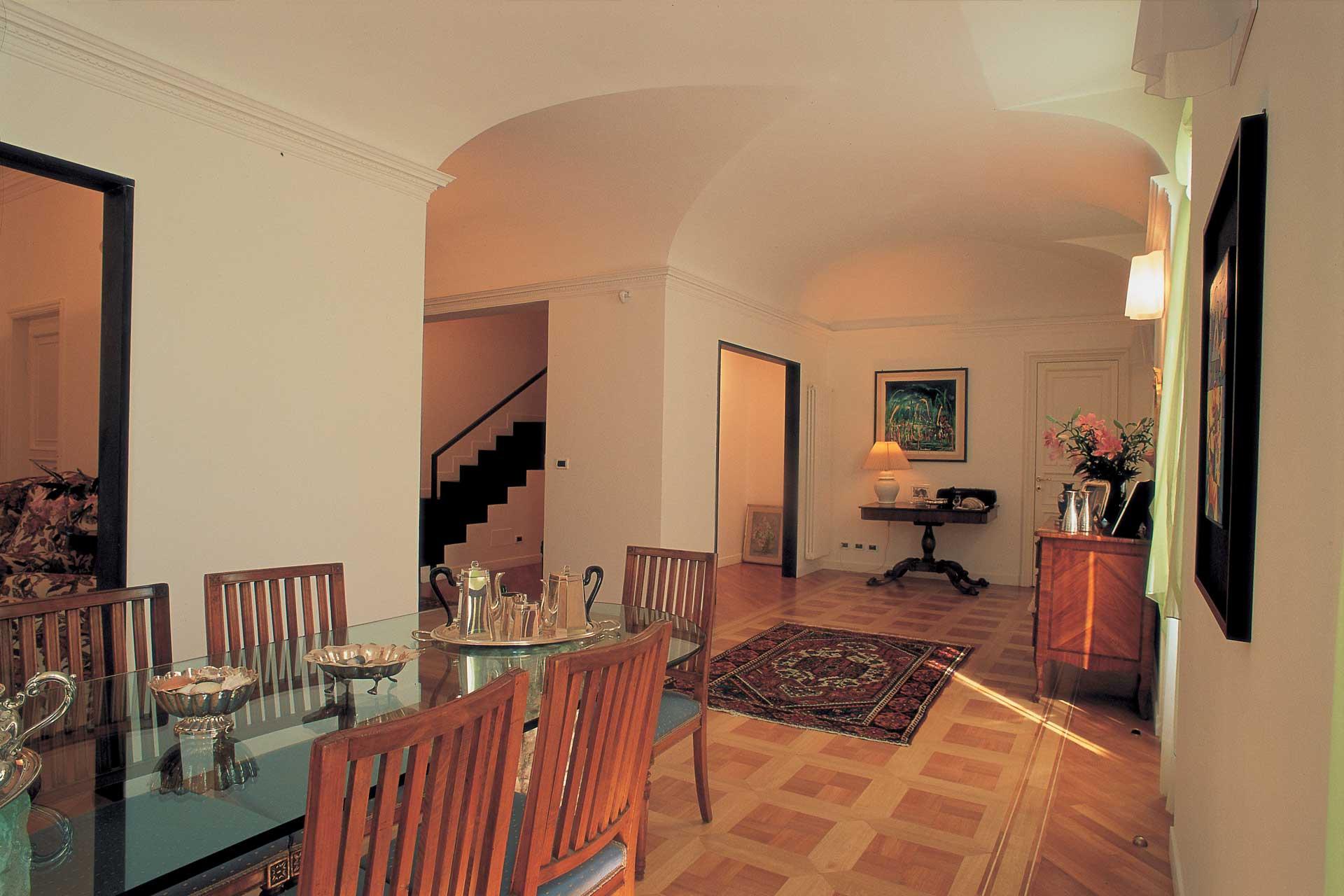 Una casa classica progettata da Roberto Silvestri Architetto.