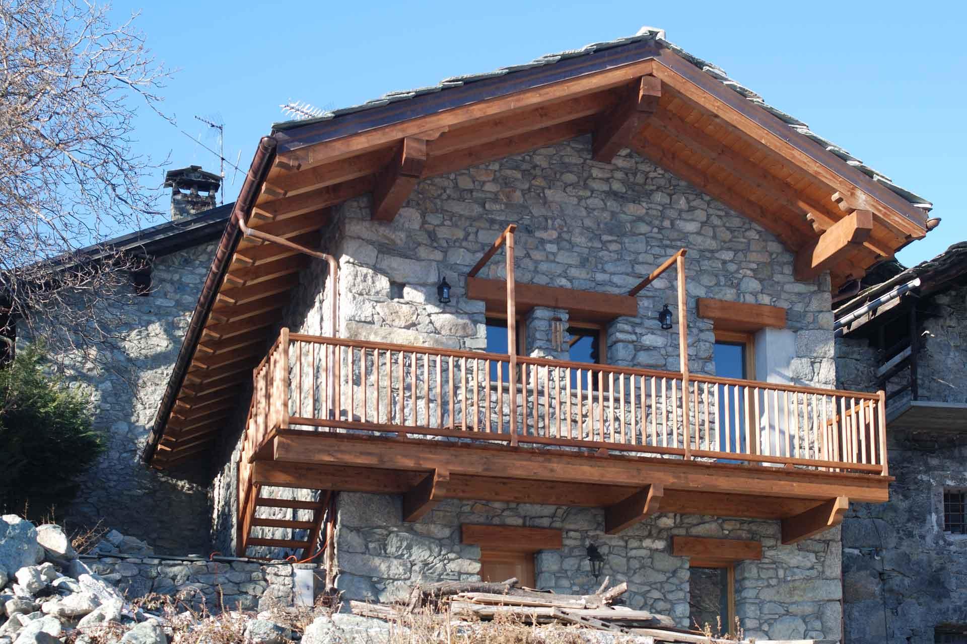 architettura di interni, un rustico in Val D'Aosta di Roberto Silvestri Architetto