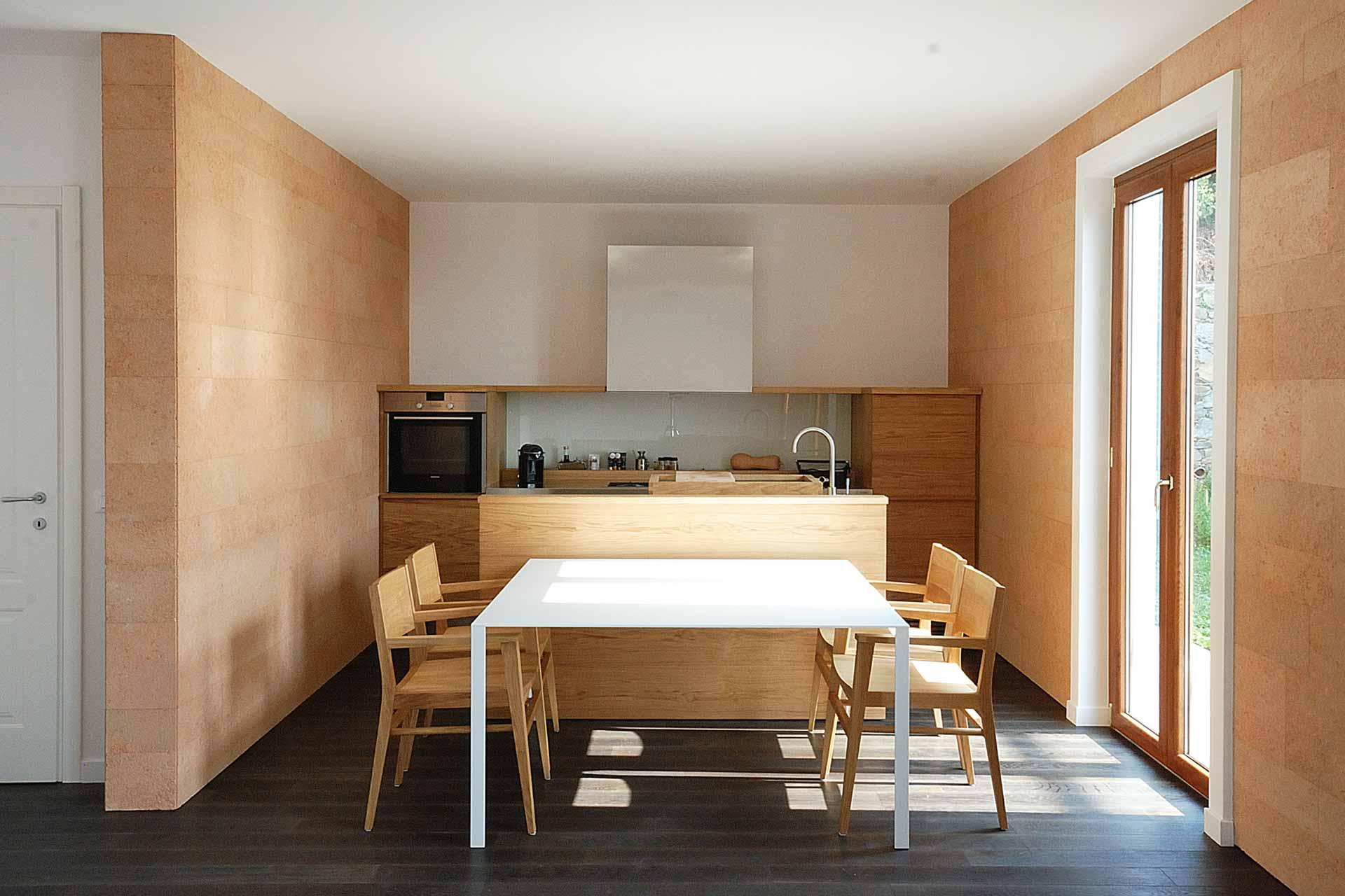 Una casa naturale nella riviera ligure progettata dall'architetto di interni Roberto Silvestri