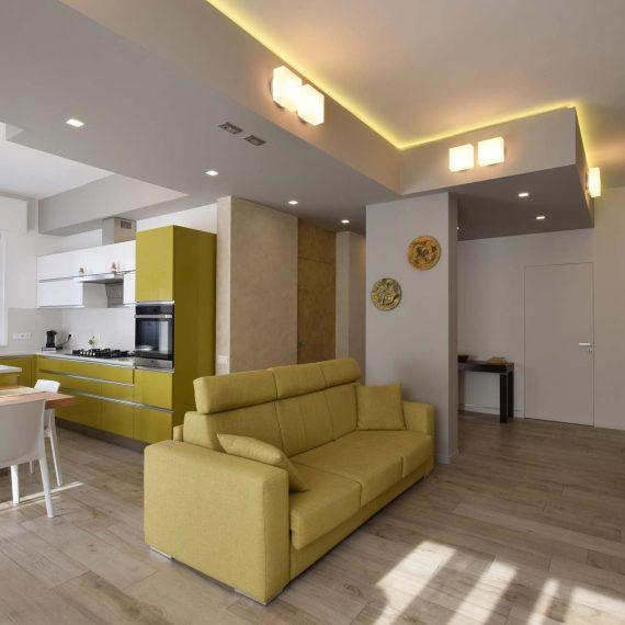 Una casa con il cuore in cucina, un progetto di Roberto Silvestri Architetto